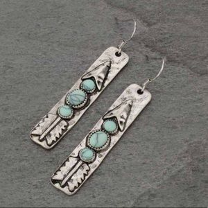 "Jewelry - Western ""Arrow"" Fish Hook Earrings"